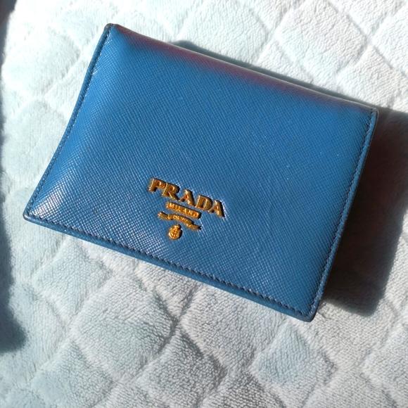 Used prada saffiano wallet